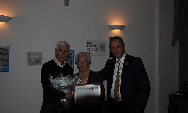 Marion Lawrence with chairman, David Mackay (left) and club captain Richard Harding
