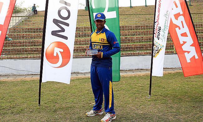 Sri Lankan captain Charith Asalanka with the man of the match award.