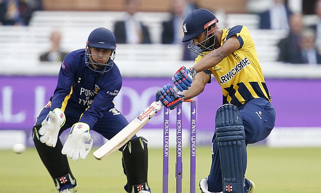 Phil Mustard (left) needs 18 more runs to become the second batsman to score 3000 T20 runs in the English domestic competition.