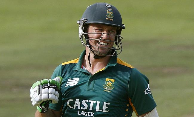 AB de Villiers onslaught storms Royal Challengers Bangalore into final