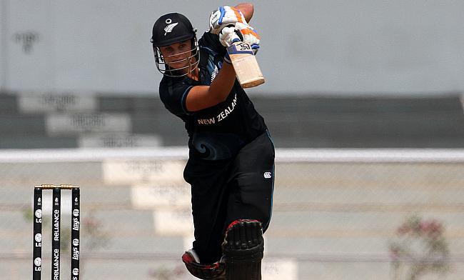 Suzie Bates top scored with 30 runs