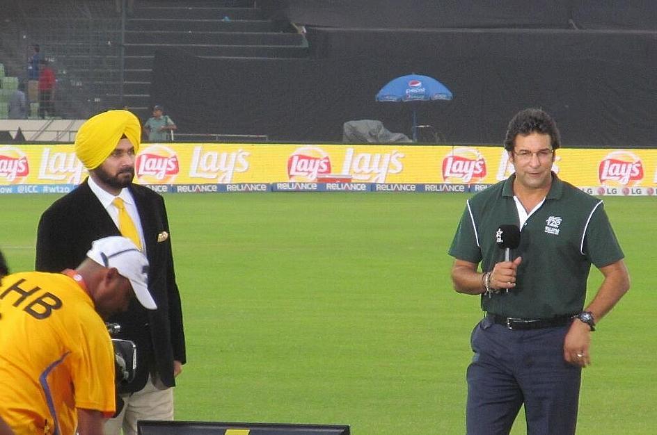 Navjot Sidhu and Wasim Akram prepare for pre-match analysis