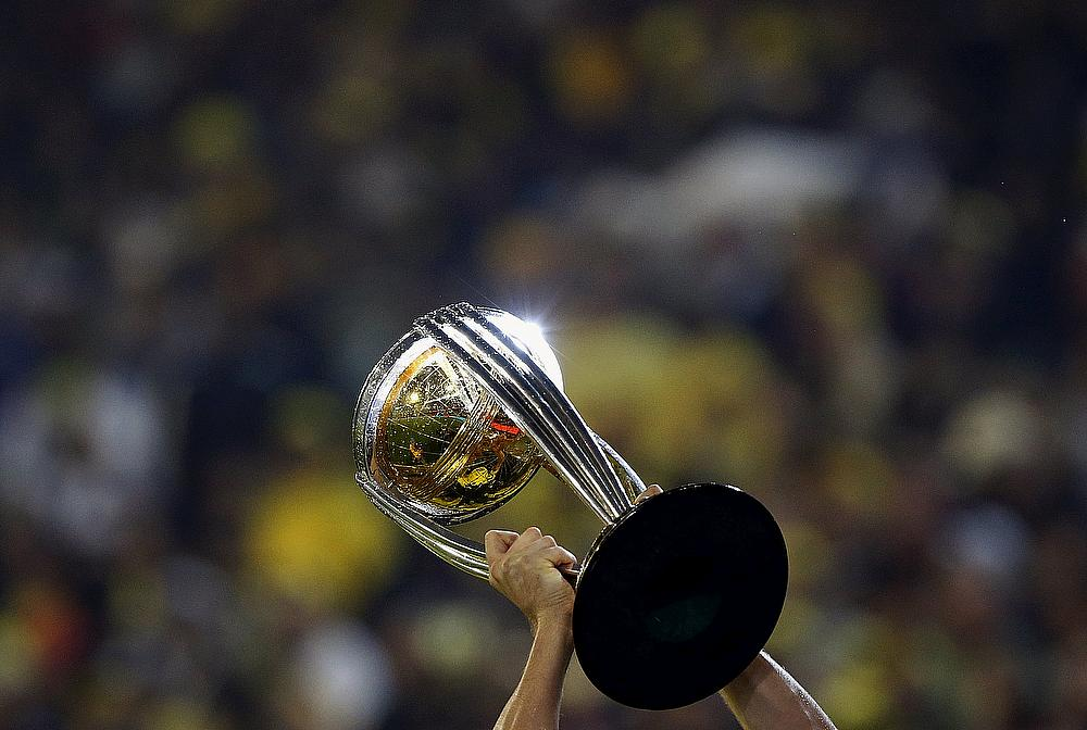 wc-trophy.jpg (1000×672)