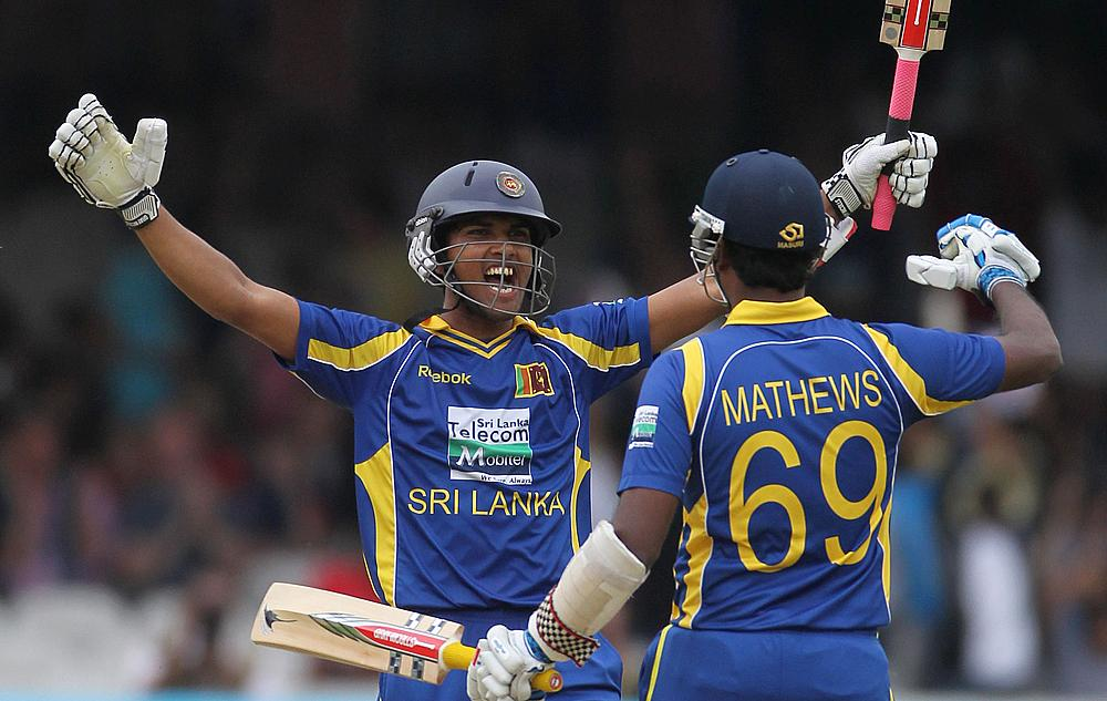 Can Dinesh Chandimal (left) and Angelo Mathews help Sri Lanka revive?