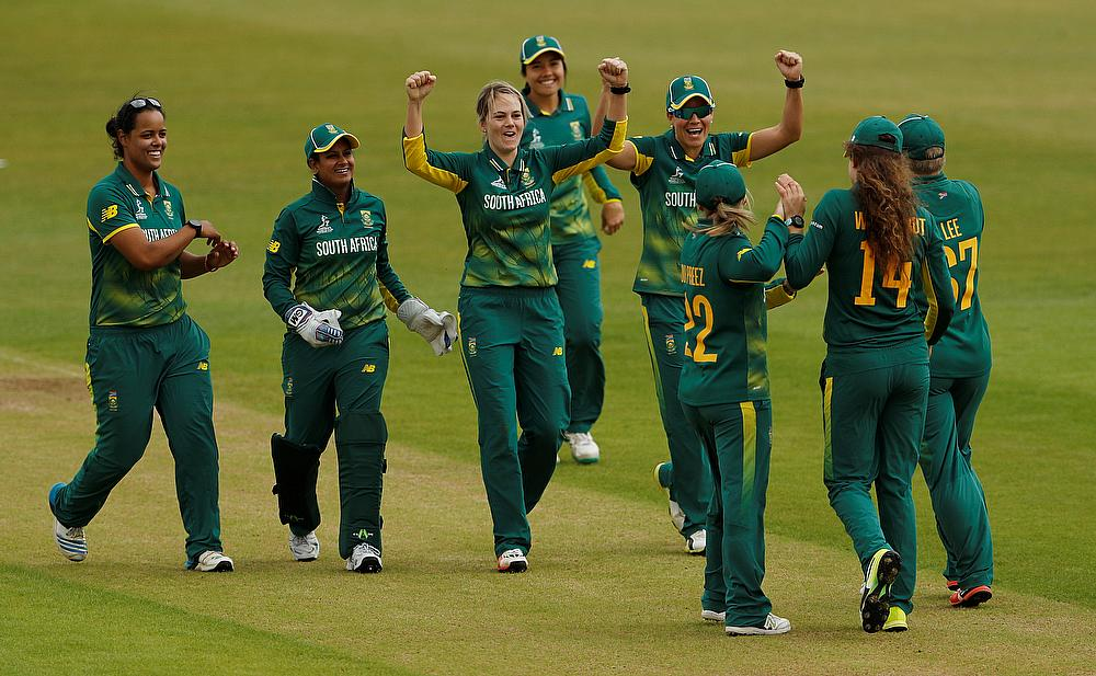South Africa scores quickly after losing wicket against India