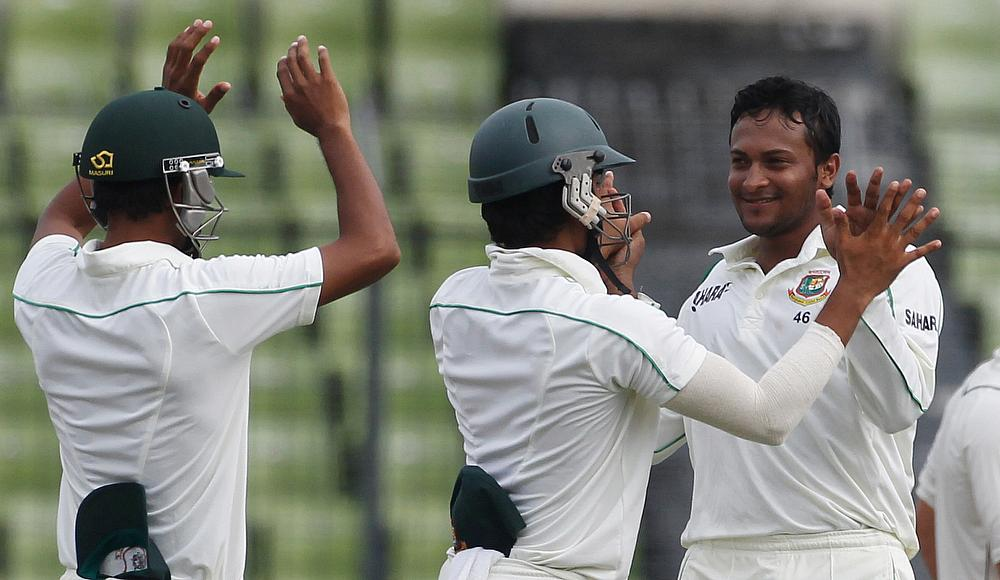 Shakib brilliance puts Bangladesh in box seat v Australia