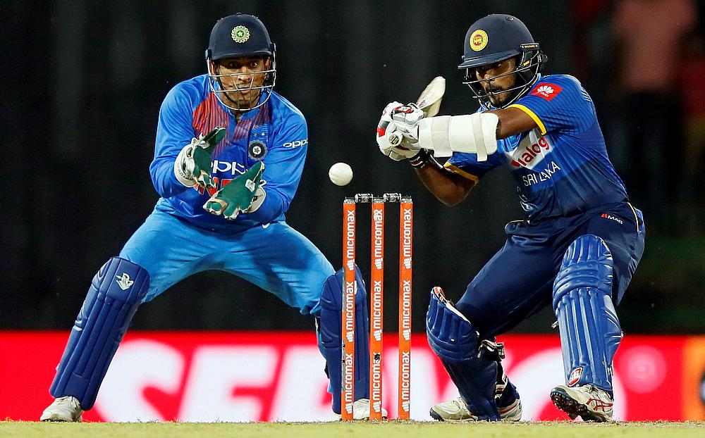 Steadfast Karunaratne gives Sri Lanka edge
