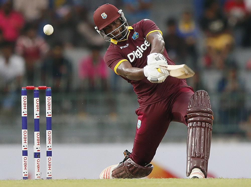 Chris Gayle hits 18 sixes to break his own T20 record