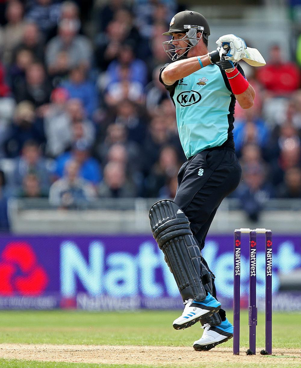 Kevin Pietersen produces brilliant innings in his final Big Bash League appearance