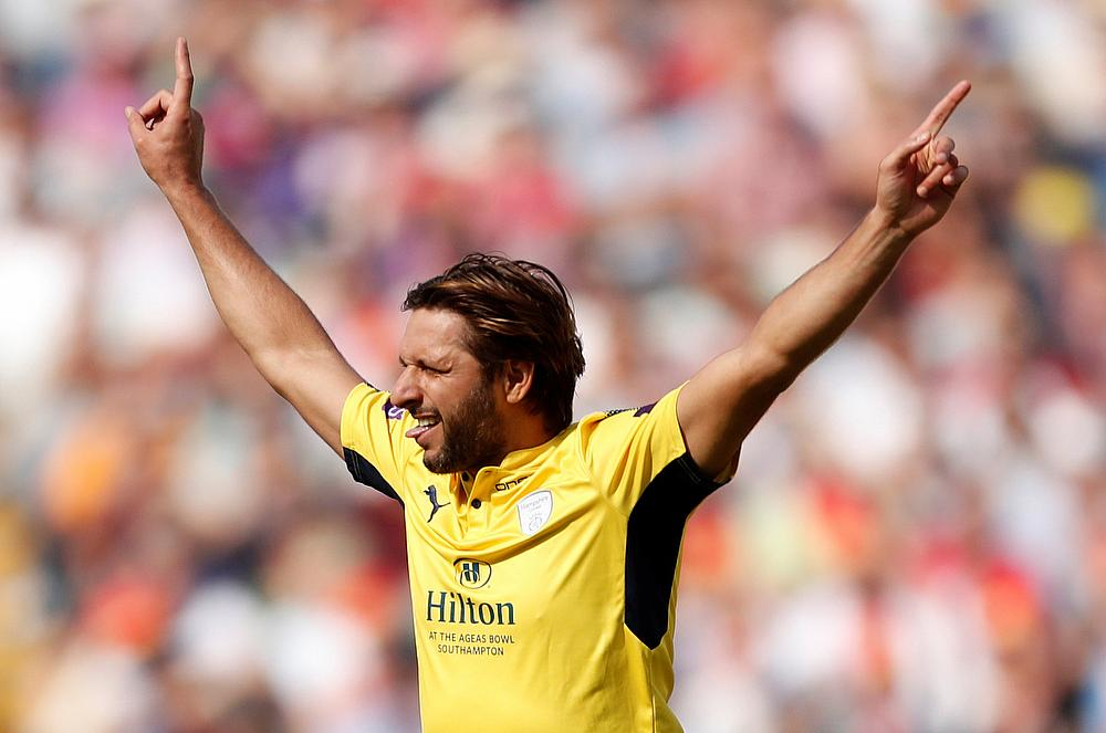 Zalmi set 177 runs target for Islamabad