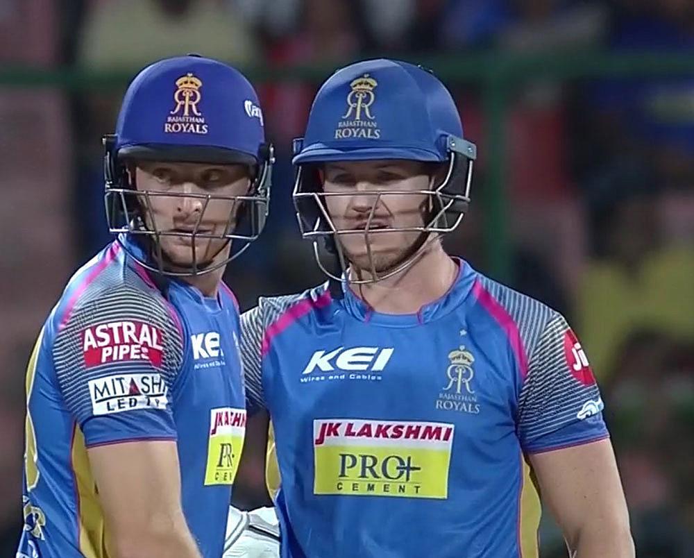 Mitchell McClenaghan's Mumbai Indians upset Chris Gayle's Kings XI Punjab