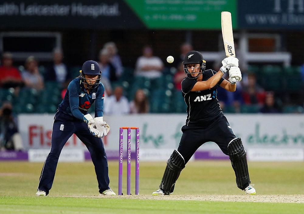 Devine ton keeps New Zealand on top