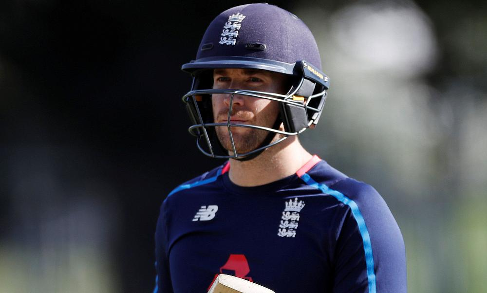 England snatch T20 series in super finish against New Zealand