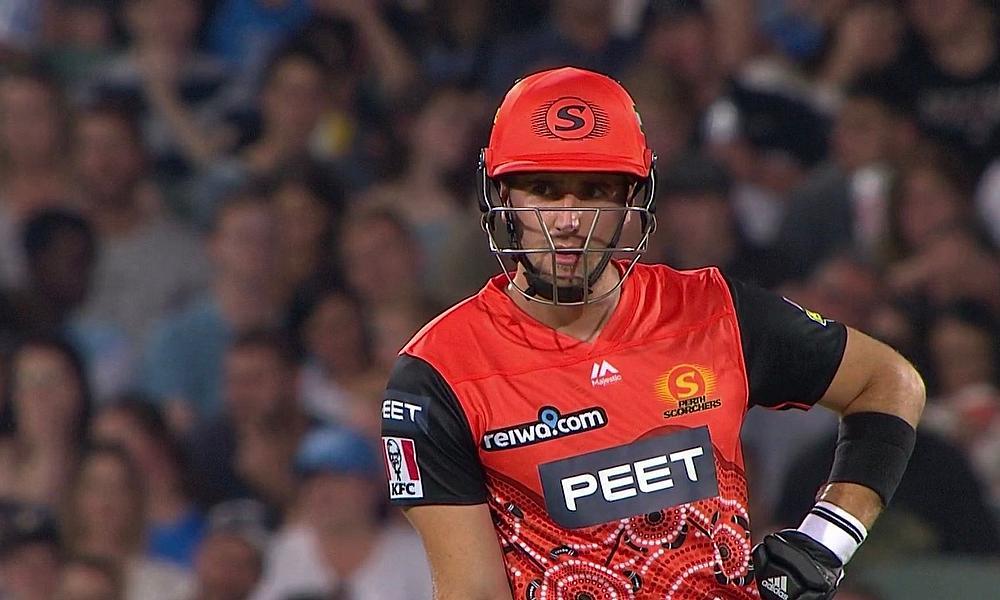 Big Bash League: 'Irresponsible batting' costs Perth Scorchers win against Sydney Sixers