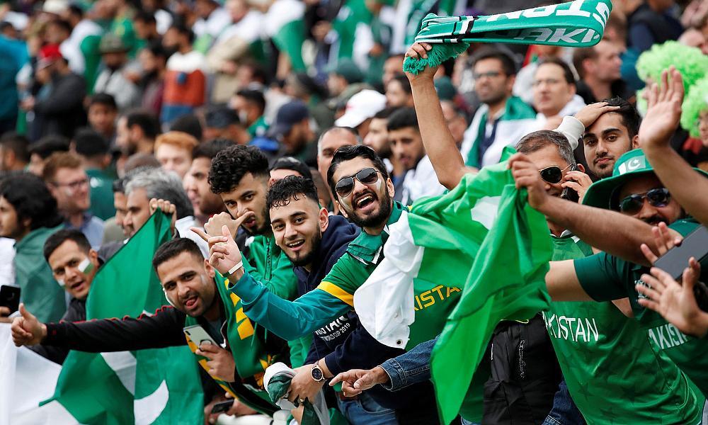 Multan pumped up to welcome PSL, Netizens applaud