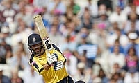 Somerset chase down Hampshire's 356 to win by 3 wickets at the Ageas Bowl