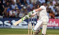 Warwickshire beat Glamorgan by 4 wickets thanks to Ian Bell century