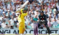 England beat Australia by 3 wickets in the 1st ODI match at the Oval