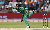 Wahab Riaz to stay at Derbyshire for two more T20s