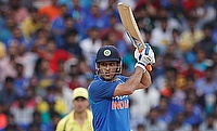 MS Dhoni bats India to thrilling ODI win against Australia