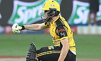 Peshawar Zalmi win in dramatic last ball finish against Islamabad United in PSL