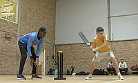 Sussex CCC's Jofra Archer & Danny Briggs Join in Street Cricket