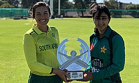 Sune Luus and Bismah Maroof