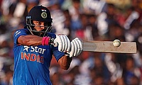 Who would have predicted that: Dimitri Mascarenhas pummels Yuvraj Singh for 5 sixes in an over, Yuvraj returns the favour