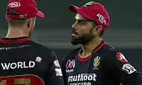 Kohli and AB de Villiers having a chat