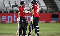Jonny Bairstow speaks with Eoin Morgan