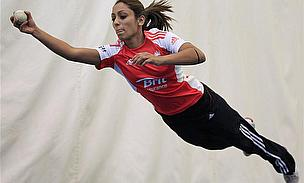 Guha Replaces Injured Shrubsole For England