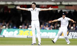 La Manga Sign Up England Bowler James Anderson