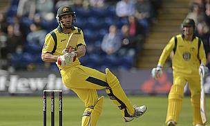 Shaun Marsh pulls a ball
