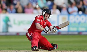 Eoin Morgan hits a shot