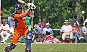 Tom Cooper plays a cover drive