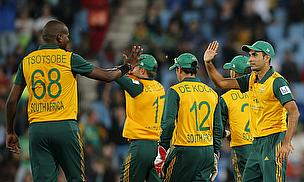 South Africa celebrate a wicket