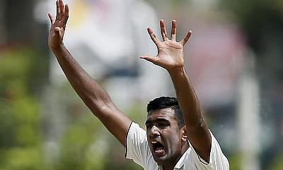 Erapalli Prasanna urges Ashwin to set his own fields