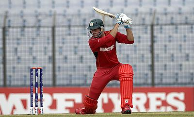 Shaun Snyder scored a 42-ball 56 for Zimbabwe against Canada.