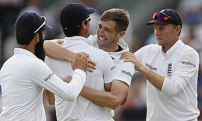 England players celebrating the wicket of Sarfraz Ahmed on day three.