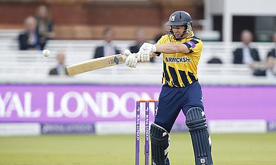 Tim Ambrose made 60 as Warwickshire beat Essex
