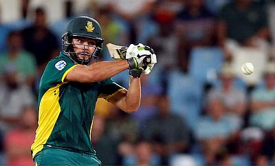Rilee Rossouw supported Faf du Plessis with a 81-ball 75
