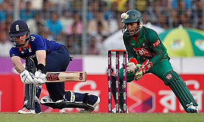 Ben Duckett (left) scored another half-century in Bangladesh