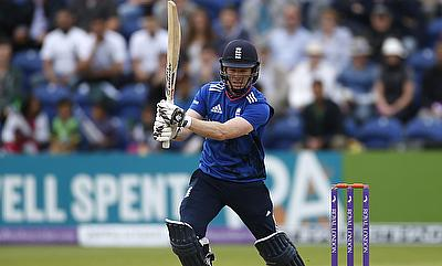 Eoin Morgan hit a six off the final ball to complete the chase