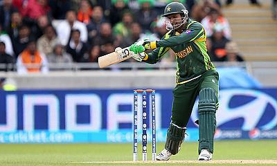 Shoaib Malik scored unbeaten 69 in the chase
