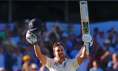 Dawid Malan celebrating his century on day one of the Perth Test