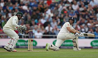 England in Ascendency  - 2nd Test Day Two - England v Pakistan