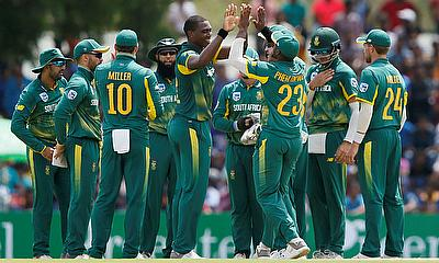 South Africa beat Sri Lanka by 5 wickets in 1st ODI in Dambulla