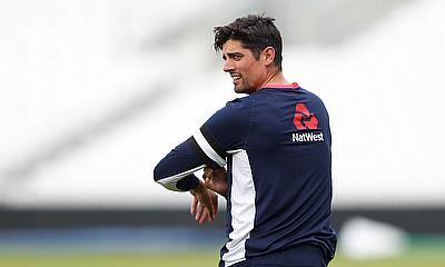 Alastair Cook Commits Future To Essex