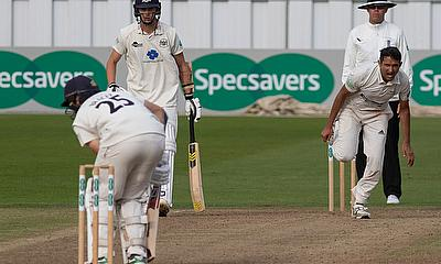 Gloucestershire beat Derbyshire by 2 wickets at the AAA County Ground, Derby