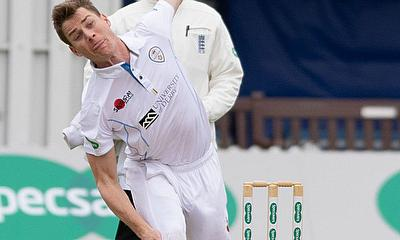 Luis Reece signs contract extension with Derbyshire CCC